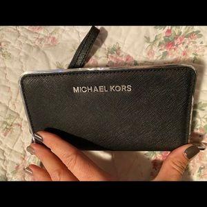"Black 6"" Michael kors clutch"